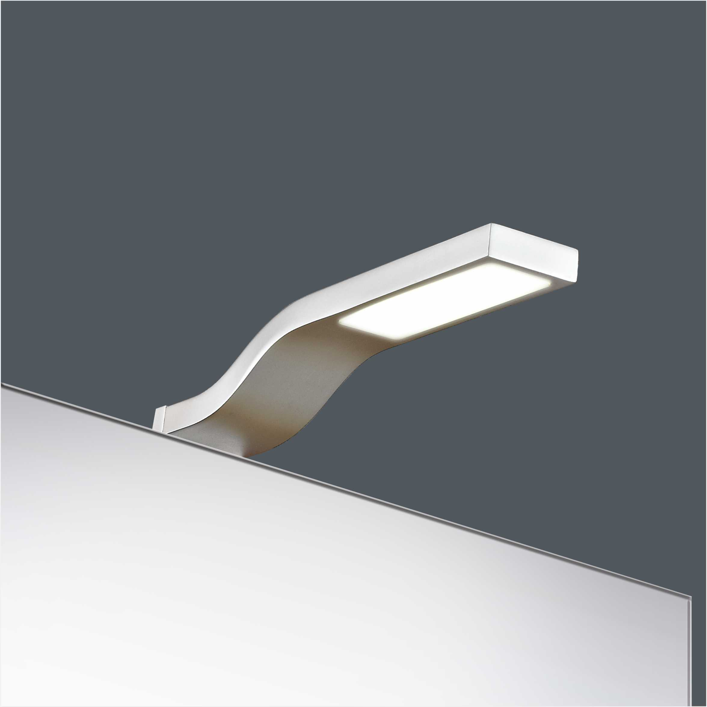 High Quality IP44 3W Aluminium Bathroom LED Mirror Light 2905